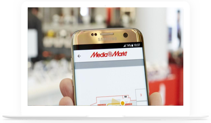 Macbook-mockup-mediamarkt-store-visits